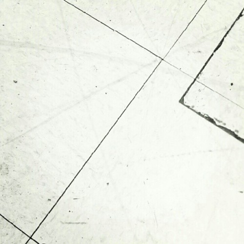 Dirty department store floor. #line #lines #minimalism #minimal #minimalist #igaddict #igers #igonly #igdaily  (Taken with Instagram)
