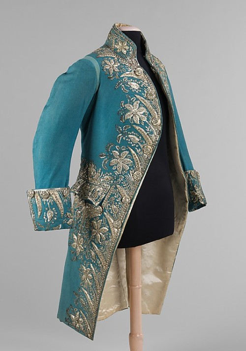 omgthatdress:  Court Coat 1775-1789 The Metropolitan Museum of Art  I would cut so many people for a bitchin' frock coat, y'all don't even know.