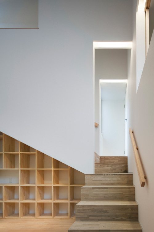 minimalarchitecture:  House in Kyobate / Horibe Naoko Architect Office.