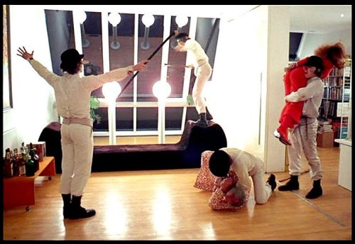 almadora:  another fantastic screen shot from 'a clockwork orange' taken by jean-lucien godet.