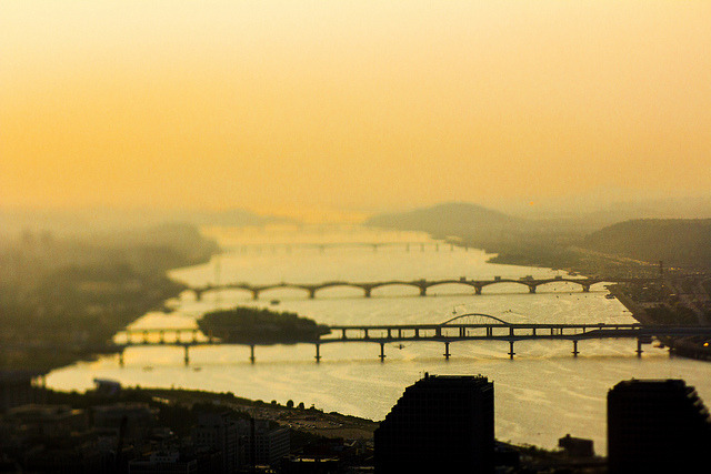 Bridges Over the Han by stuckinseoul on Flickr.