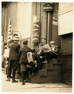 legrandcirque:  Lewis Wickes Hine, Group of newsboys on a stoop at 4th & Market Streets, Wilmington, Delaware, May 1910. Source: Library of Congress