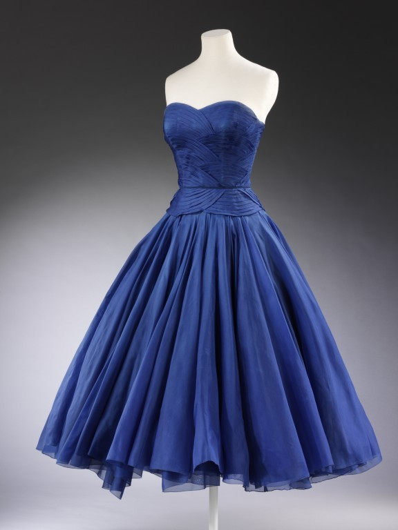 omgthatdress:  Dress Jean Dessès, 1951 The Victoria & Albert Museum