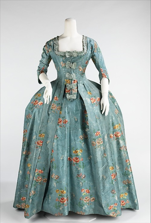 omgthatdress:  Robe à la Française 1760-1770 The Metropolitan Museum of Art