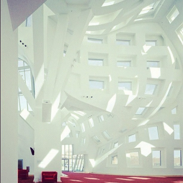 Lou Ruvo Center for Brain Health by Frank Gehry #craft #luxury (Taken with Instagram)