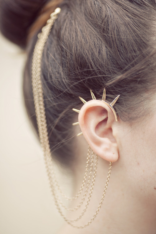 What Would Osha Wear? Gold spiky ear cuffs.  sexponent:  (via imgTumble)