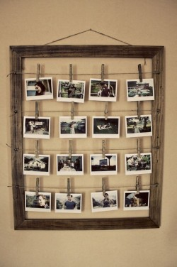 (via How To Make A Stylish Photo Frame For Several Photos | Shelterness)