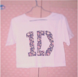 """1D Flowers"" Basic Crop Tops Size S."