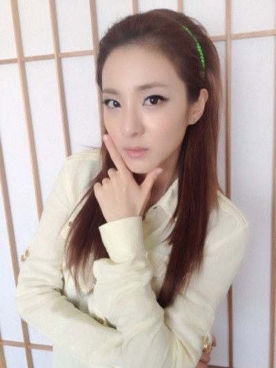 Dara unnie is so beautiful~ ( . ^ _ ^. )