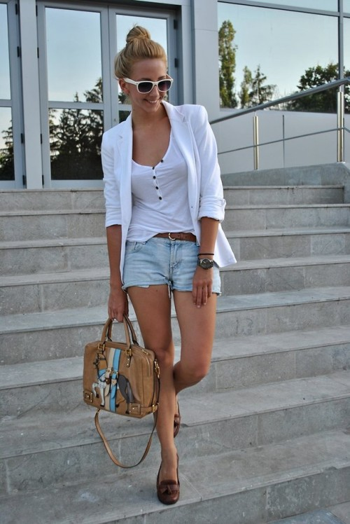 lookbookdotnu:  Back to white (by Manuella Lupascu)