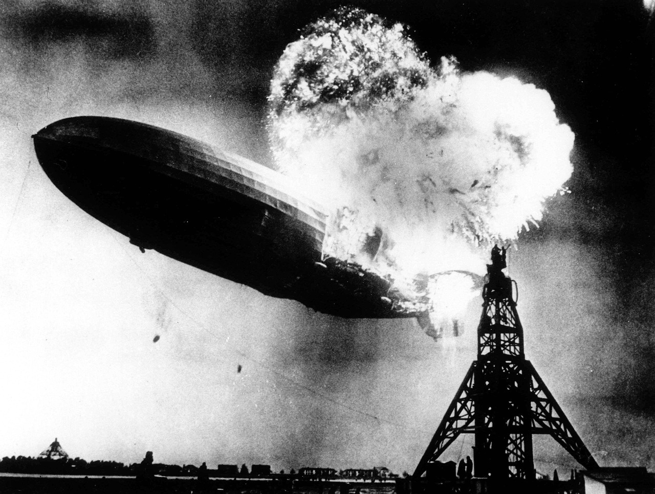mary-beth:  The Hindenburg Disaster by Sam Shere (1937)