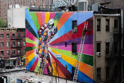 The (Harlequin) Kissing Sailor by Eduardo Kobra
