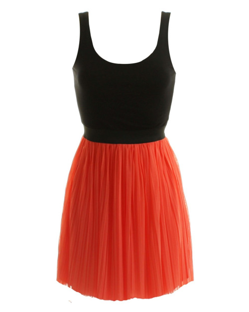 New @inlovewithfashion -  LOVE Coral Pleated Short Skirt With Jersey Vest Top