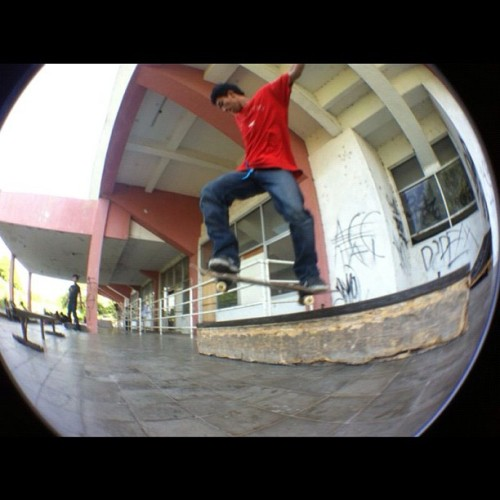 Backside tailslide #instagram #skateboarding #letsroll #sunday  (Taken with Instagram)