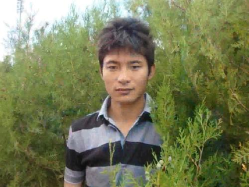 This is Dargye who set himself on fire in Lhasa on 27 May along with his friend Dorje Tseten. Dargye survived but we currently do not know anything else about his condition or current whereabouts.