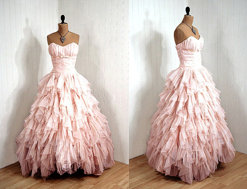 I want this dress :o