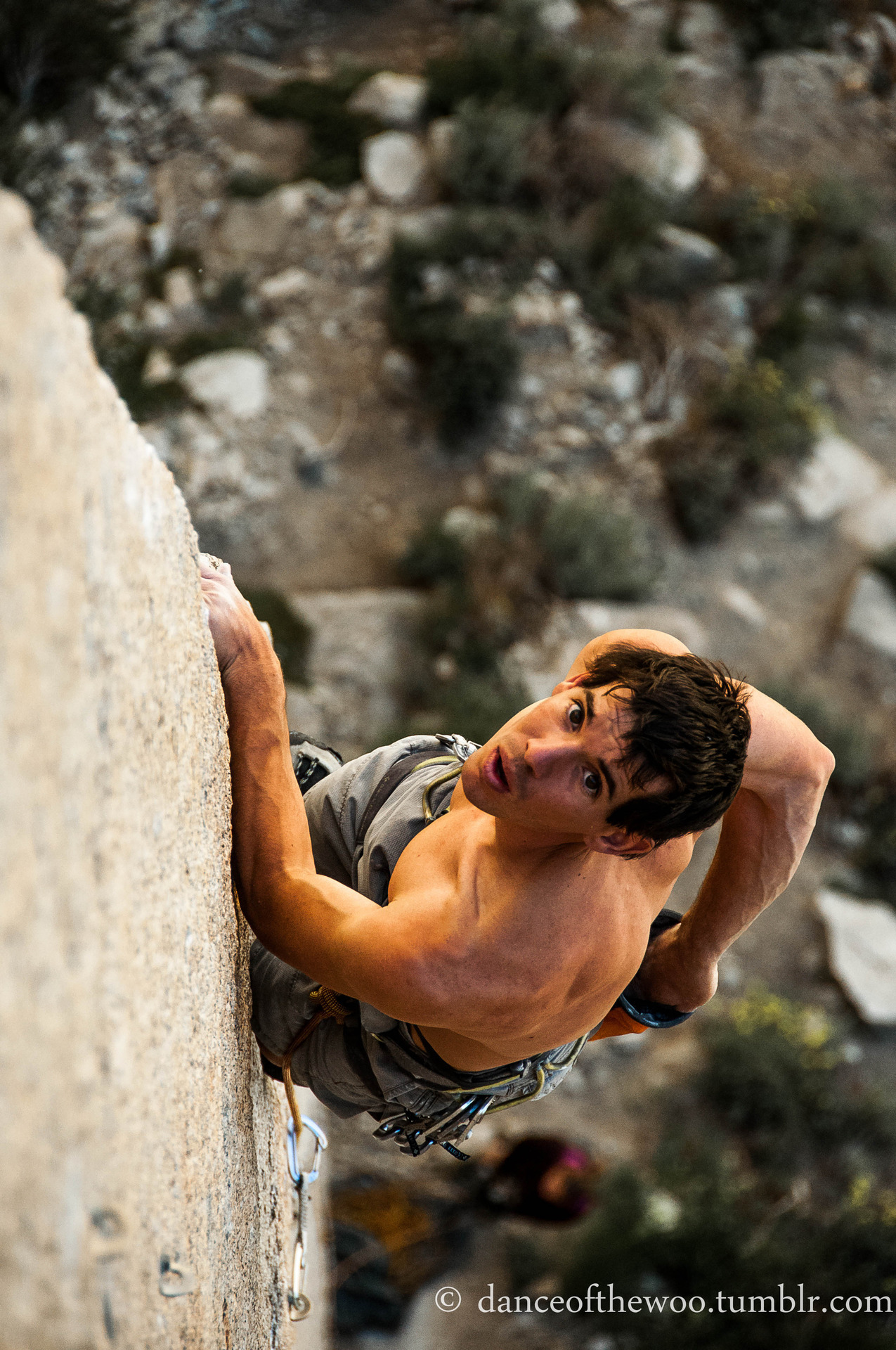 coffeeandclifbars:  danceofthewoo:  alex honnold. ecstasy, 5.13a. pine creek canyon, CA. june 2012. onsighted, of course.  So awesome.   Beast!
