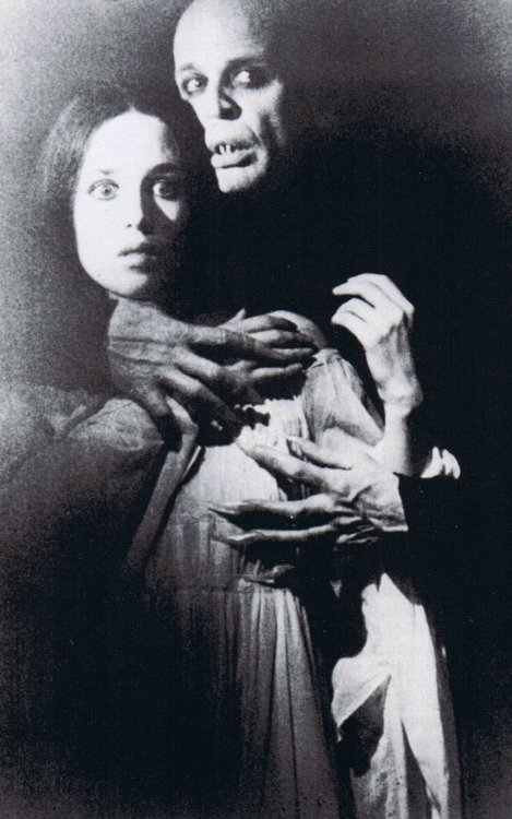 meanwhilebackinthedungeon:  Klaus Kinski & Isabelle Adjani   Nosferatu (1979)