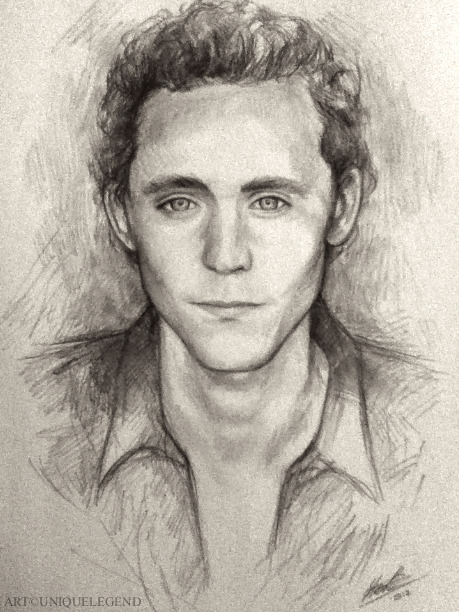 Quick afternoon pencil sketch of Tom (Loki) Hiddleston on A4 paper. I'll upload a better scan of it at some point (took it with my crappy camera phone) since my scanner is broken. Then I might plan to sell it.