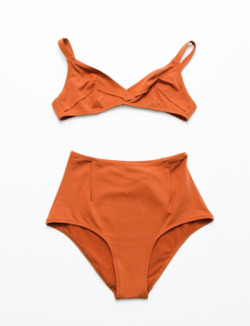 gretchenjonesnyc:  calivintage:  Laura Urbinati Pinces Bikini.  Want