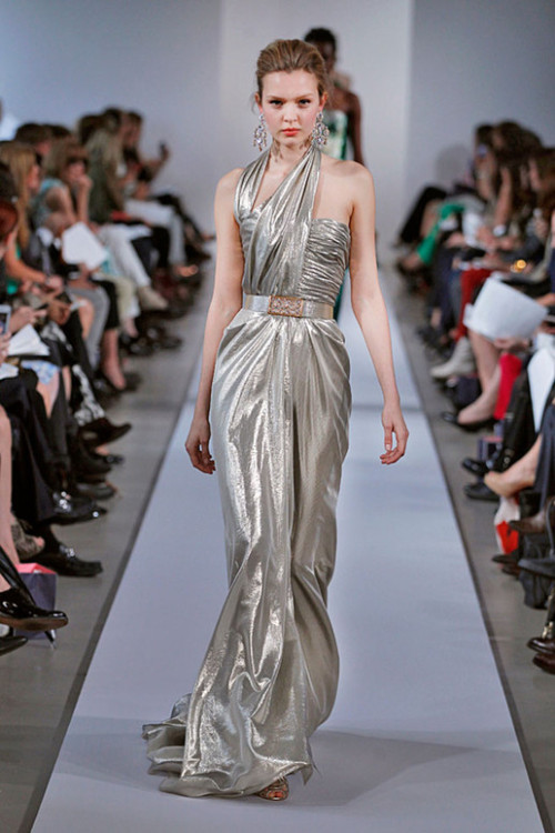 What would Arianne wear?A metallic gown from Oscar de la Renta, resort 2013.