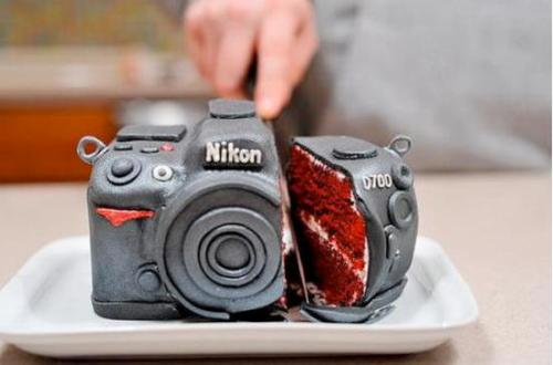 Nikon cake? I love this idea? (Source unknown, so if you know, tell me so I can give them mad props!)