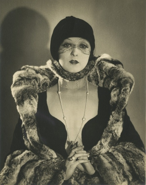 Photo by William H. Mortensen, 1920s.