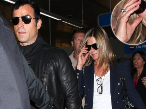 PHOTOS: Jennifer Aniston sparks engagement reports with two rings