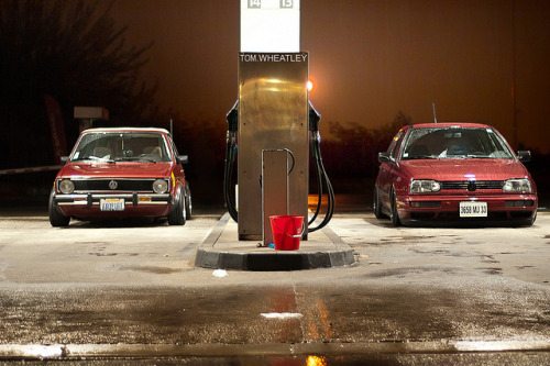 Filling up… by Tom.Wheatley on Flickr.