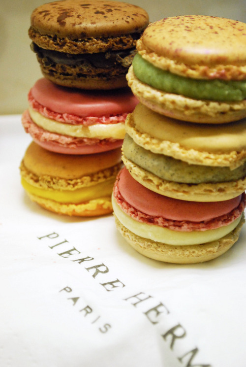 delici0us-desserts:  Those amazing macaroons - Pierre Hermes, Paris (by BlacknWhiteKenzie)