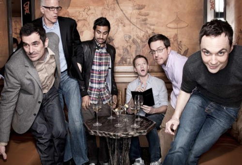 awesomepeopleeatingtogether:  Ty Burrell, Ted Danson, Aziz Ansari, Neil Patrick Harris, Ed Helms, + Jim Parsons