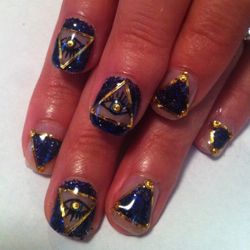 naominailsnyc:  Evil eye #nail #nailart (Taken with Instagram)
