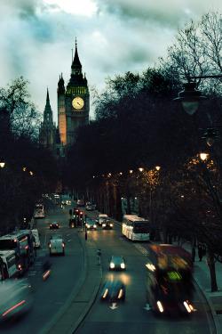 london urban rush hour big ben traffic