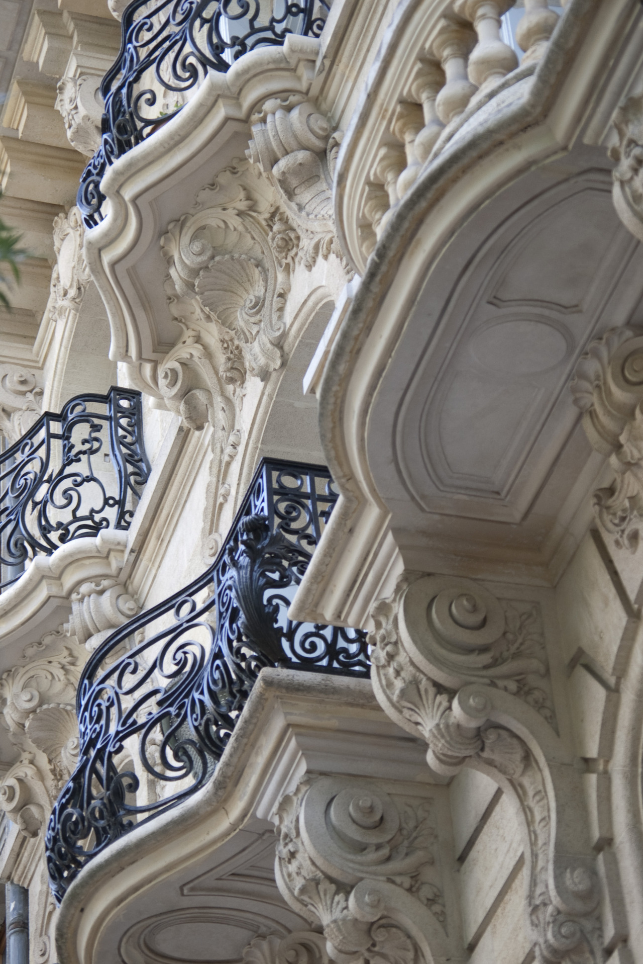 suggestivedesigns:  French balcony architecture.