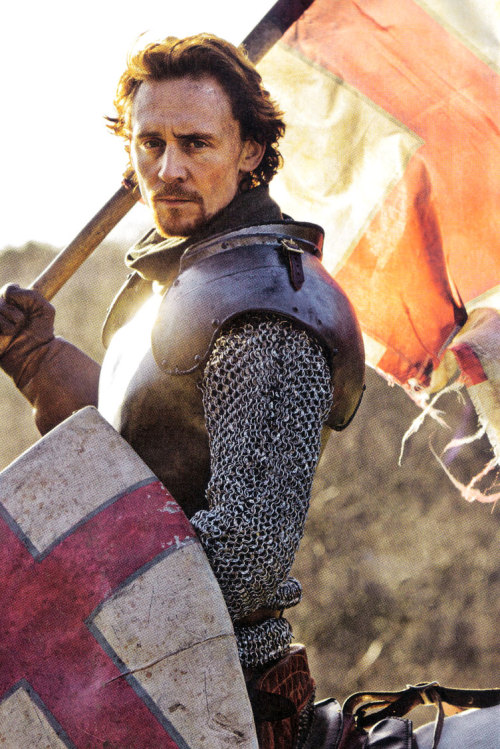 anotherstolenrelict:  tirrivee:  Henry V Tom Hiddleston  #this is so fucking beautiful i can reblog it everyday