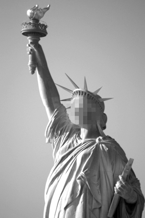 mostlygraff:  grovestreetgalves:  Me.  You're the statue of liberty?