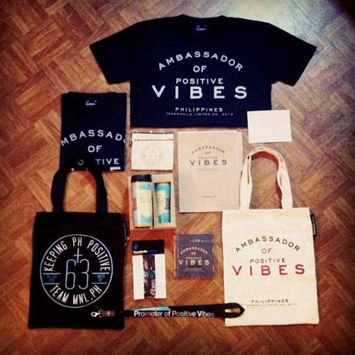 Inside the @TeamManila package last night!!! Ang gandaaa! Thank you Mon & Jowee for appointing us as the (drum roll please…) 'Amabassadors of Positive Vibes' haha! Lets dooo diz! Kung dati may 'GV chongg', ngayon may PV! haha! Lets spread the positive vibes!!! Woooohoo! TM yo' the best! #ambassadorofpositivevibes #manila #everywhereweshoot #teammanila #ryan #garovs (Taken with Instagram)