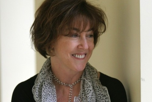 breakingnews:  Author and screenwriter Nora Ephron dies at age 71 The Washington Post: Nora Ephron has died at a hospital in New York, her friend  columnist Richard Cohen confirms. She was 71. Photo: Nikki Kahn / The Washington Post