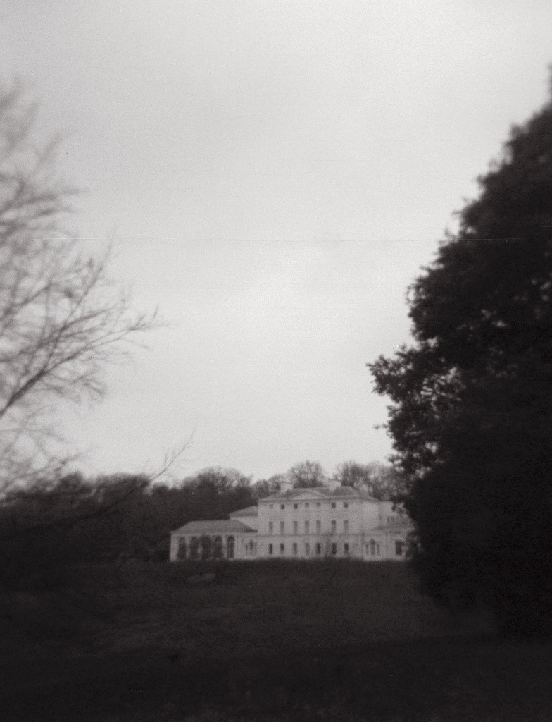 newflux:  /kenwood house, hampstead heath, london. (by hrafnhildur linnet runólfsdóttir)