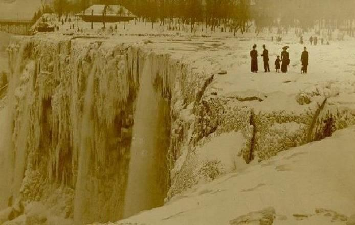 Niagara Falls once froze over. (Source)