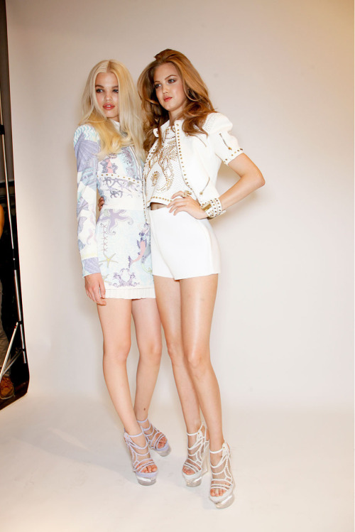 sailingsoul-s:  Daphne Groeneveld and Lindsey Wixson backstage at Versace