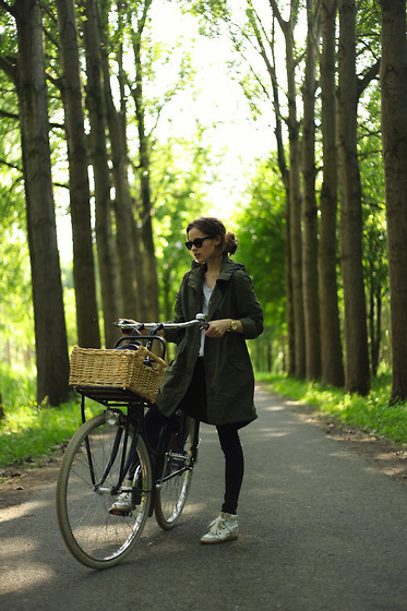 xvia:  Casual bike ride (by Christine R.)