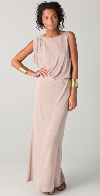What would Arianne wear?A maxi dress with gold cuffs for casual days away from court.