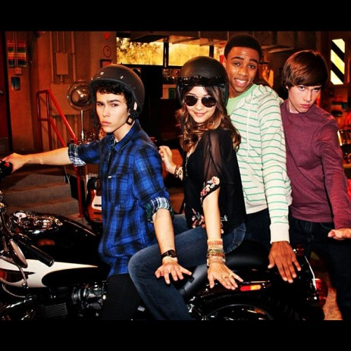 Max Schneider A motorcycle on the #HowToRock this Saturday at 8:30 on@nickelodeonTv…its about to get crazy baby! @Disra