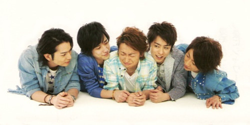 haruno21:  arashi-love:  Got to love Riida bullying. :D  looks more like harrasment