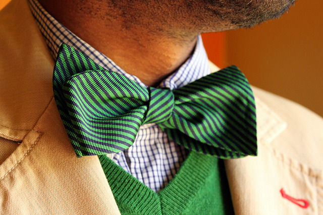 n-eye-gee:  Green bowtie by IamDWJ