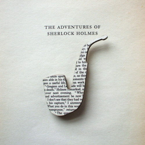 lalumena:  Sherlock Holmes pipe brooch, made with original pages from the classic book