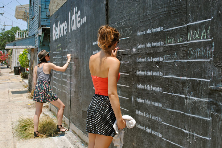 sxsdaily:  Before I Die Project by Candy Chang In February, BID was created when Chang turned an abandoned home in NOLA into a public space for inspiration. By transforming a sign of decay into a public bucket list, BID serves as the latest example of how art can and imagination can turn decay into hope.  Chalkboards now can be seen in countries such as South Africa, the Netherlands, Mexico, Australia, Portugal, and Kazakhstan.  - AB