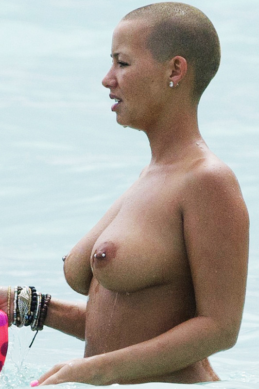 captainsavenohoe:  blasianxbri:  Amber Rose's titties >  3rd time reblogging, no fucks given.