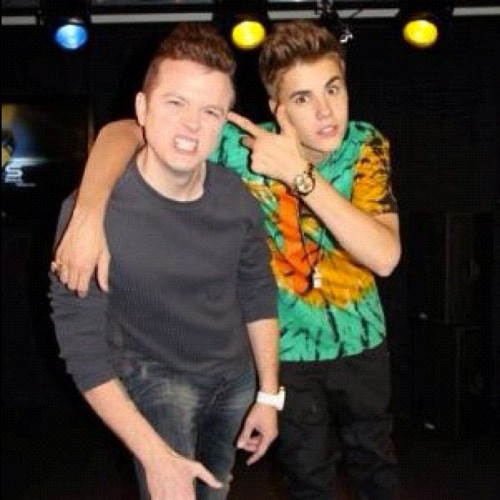 Another picture from Justin?s kiisfm interview